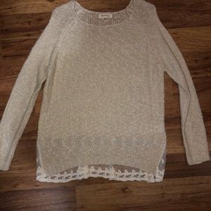 Sweater with lace bottom on the back